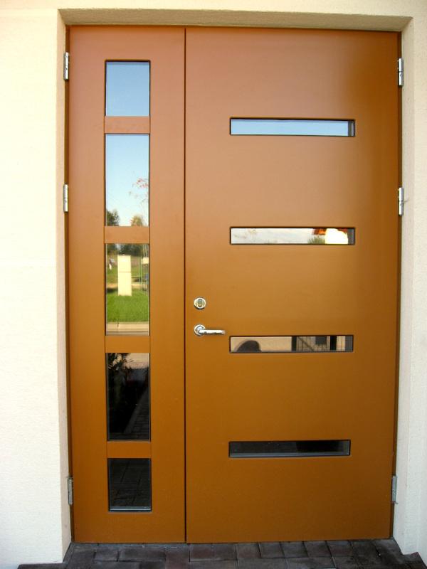 Metalinės šarvuotos lauko durys