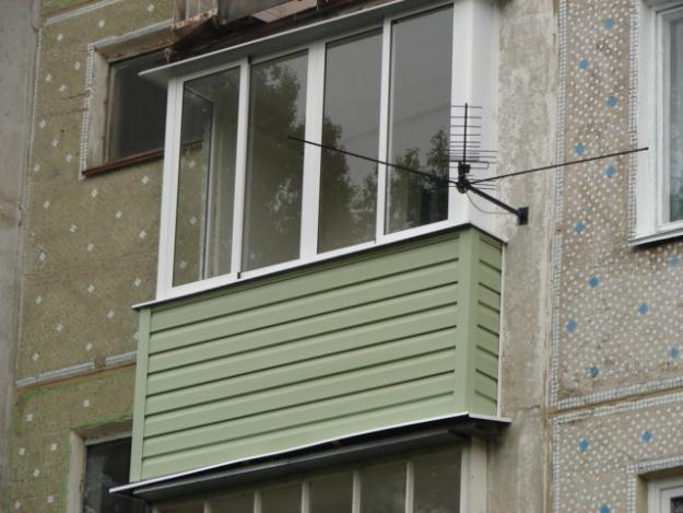 Balkonų stiklinimas plastiko konstrukcijomis, Vilnius